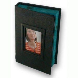 Black and green Photo Box